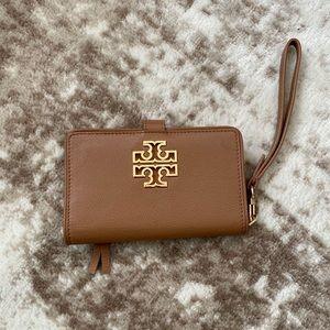 Tory Burch   Britten Wristlet Wallet